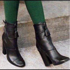 FLASH SALE 🔥 Tory Burch booties 🌗🌘🌑